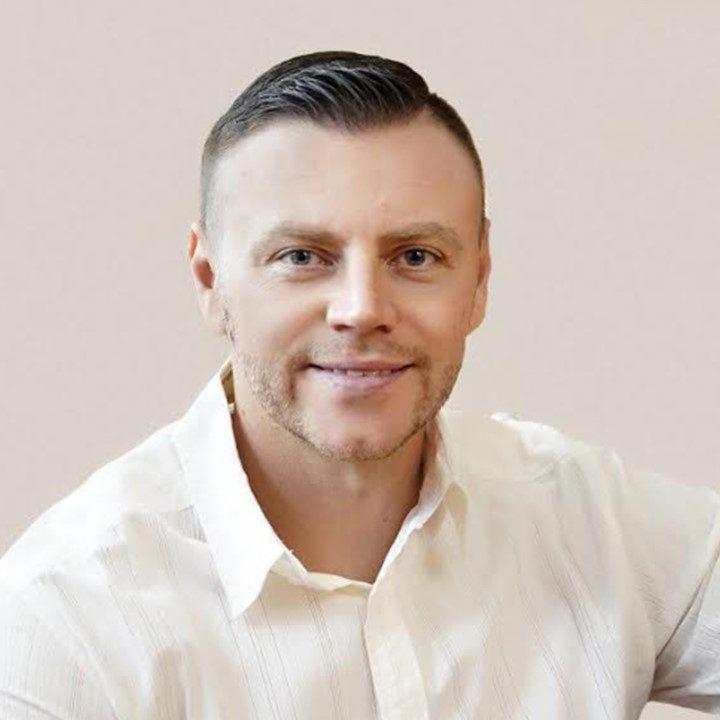 Eugene Mokrov headshot 1